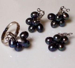 Black Pearls Sampaguita