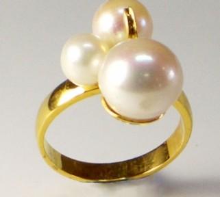 South Sea pearls set